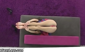 Flexible babe showing