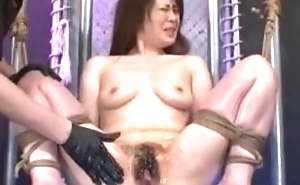 fucking vibrator japanese middle-aged women