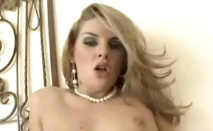 Hot blonde does some face sitin'