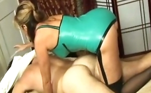 GuyMassaged unconnected with MILF in Latex