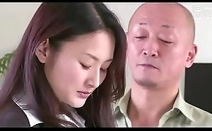 femme d'_affaires japonaise forcé_e par foetus upholder (Full: tinyurl.com/y7xv2nfd)
