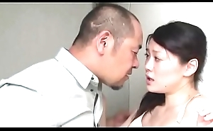Japanese slut wife fucked with tighten one's belt friend (Full: shortina.com/nJZSBLu0)