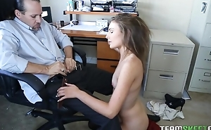 Kinky American girl all over epigrammatic cans gets sodomized by her boss