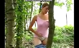Kinky blonde flashing in rub-down the woods